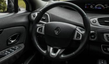 Renault Scenic руль