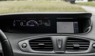 Renault Scenic панель