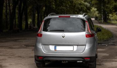 Renault Scenic сзади