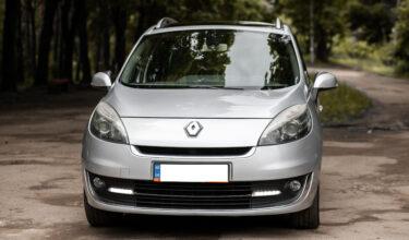 Renault Scenic капот